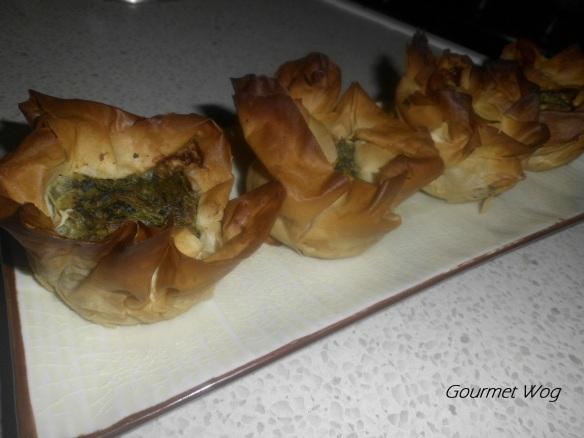 Spinach and cheese boreg boureg muffins