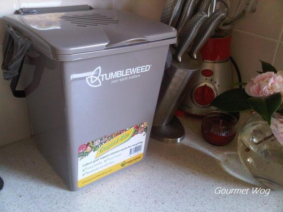benchtop compost bin